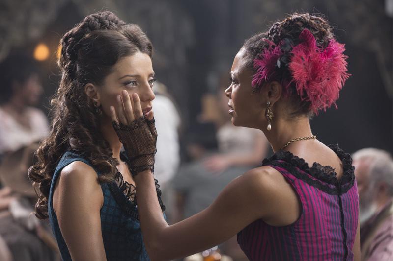 Westworld: le attrici Angela Sarayafan e Thandie Newton in Dissonance Theory
