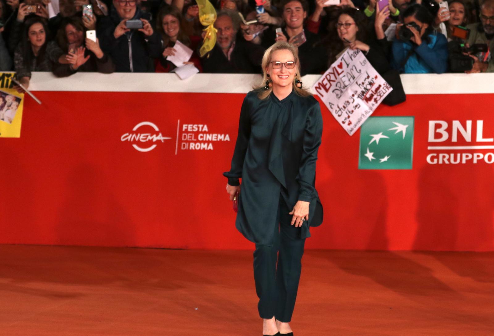 Roma 2016: Meryl Streep davanti al pubblico sul red carpet di Florence Foster Jenkins