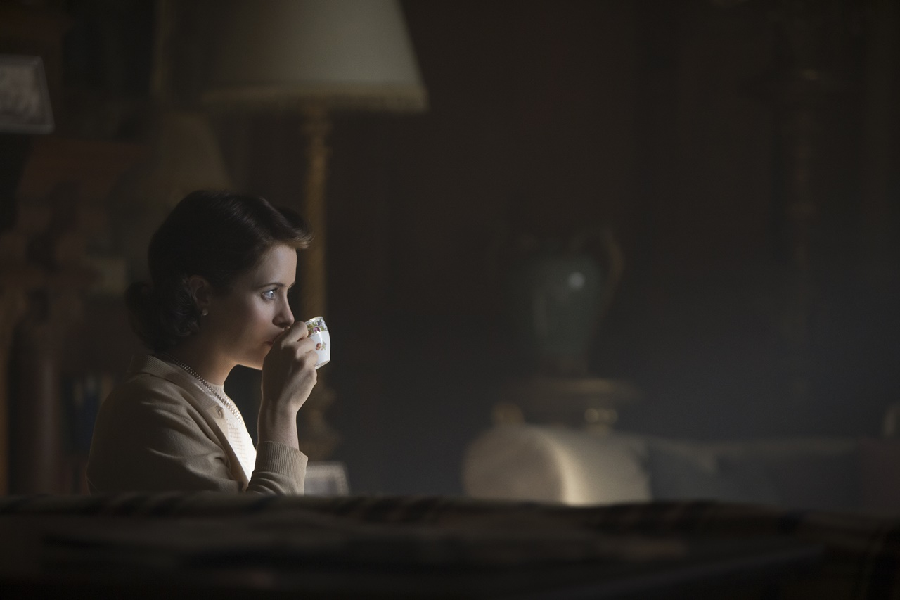 The Crown: Claire Foy in una foto del decimo episodio