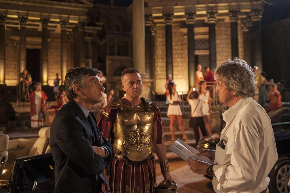 Non si ruba a casa dei ladri: Massimo Ghini, Vincenzo Salemme e Carlo Vanzina sul set del film