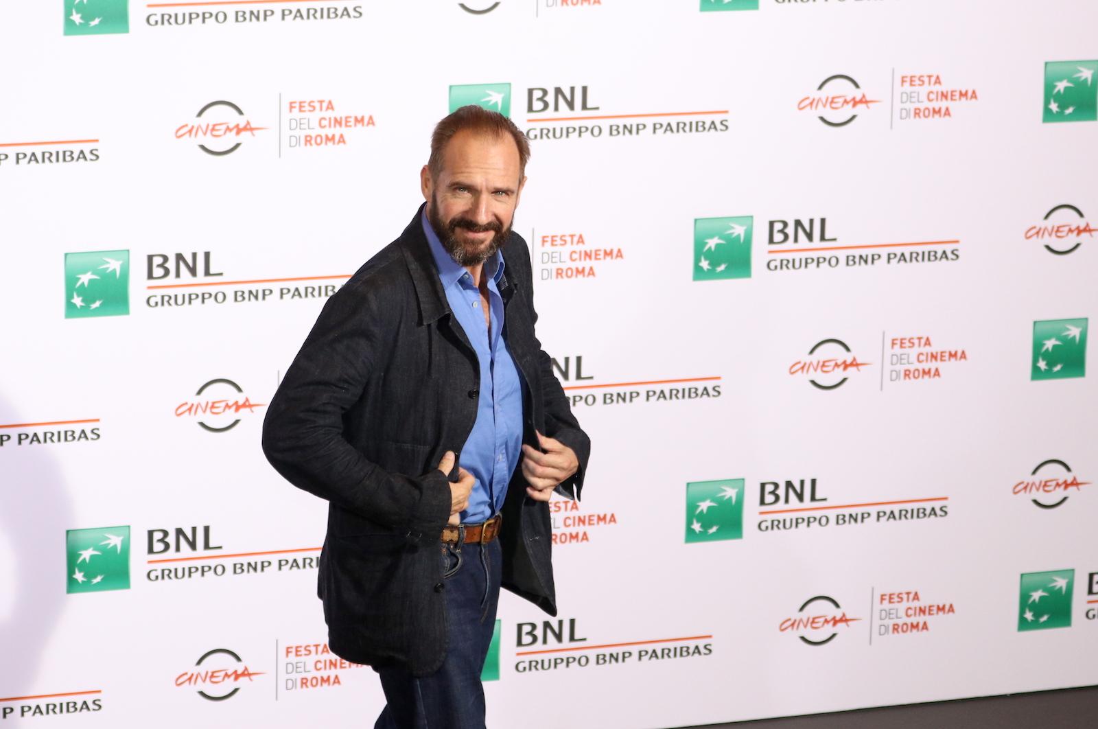 Roma 2016: Ralph Fiennes arriva al photocall de Il paziente inglese