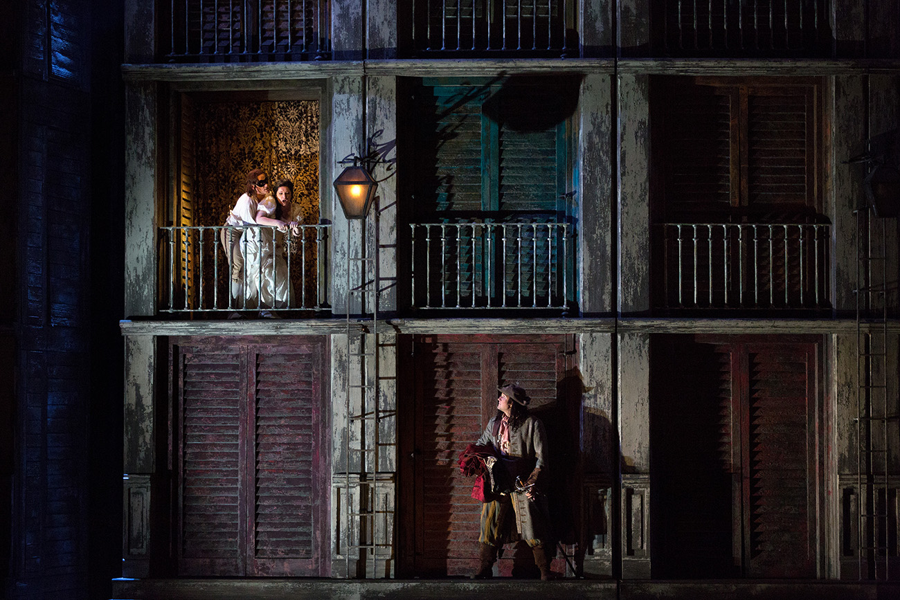 The Metropolitan Opera di New York: Don Giovanni - Una suggestiva immagine dell'opera teatrale portata in scena da Michael Grandage