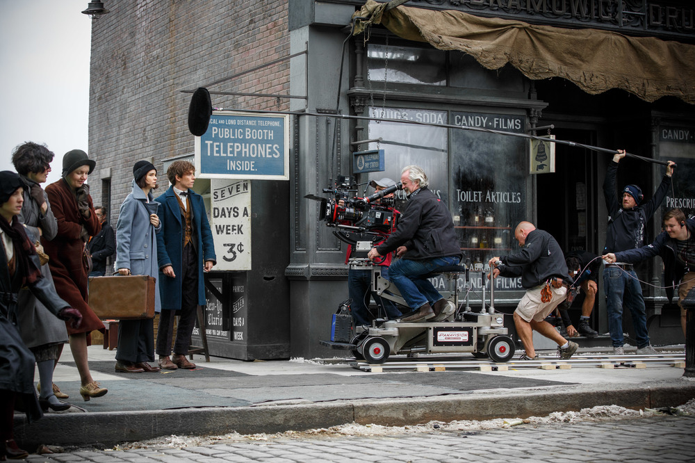 Fantastic Beasts and Where to Find Them: i protagonisti sul set del film