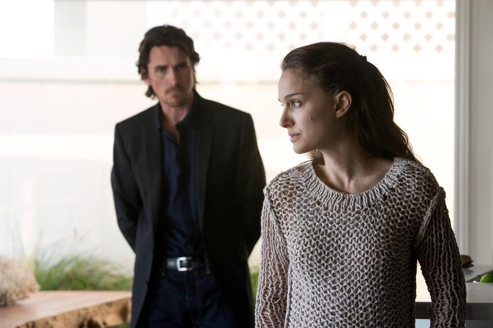 Knight of Cups: Natalie Portman e Christian Bale in una scena del film