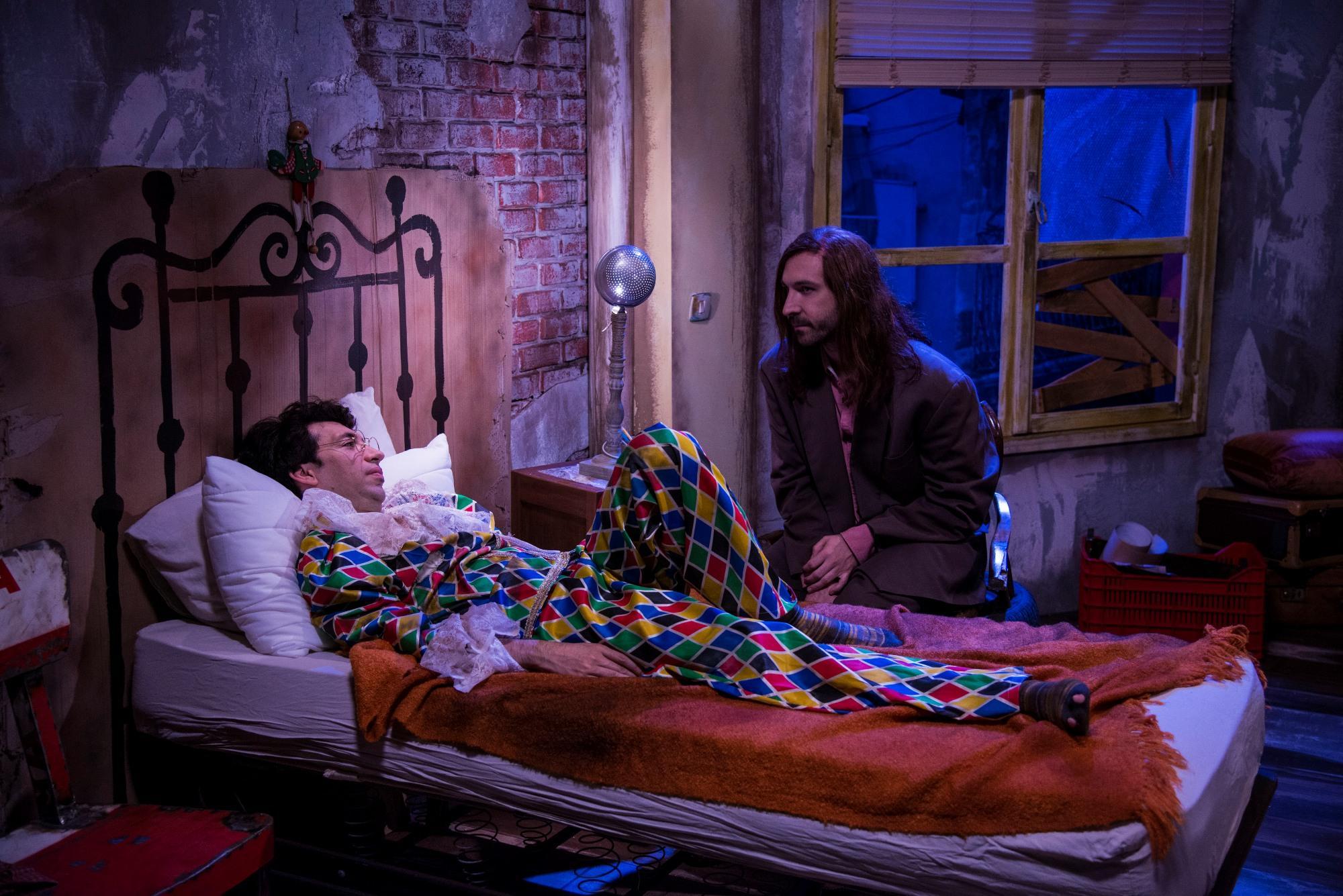 Mariottide: Maccio Capatonda ed Herbert Ballerina in una scena della sitcom