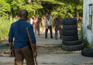 The Walking Dead: Lennie James in una foto di The Well