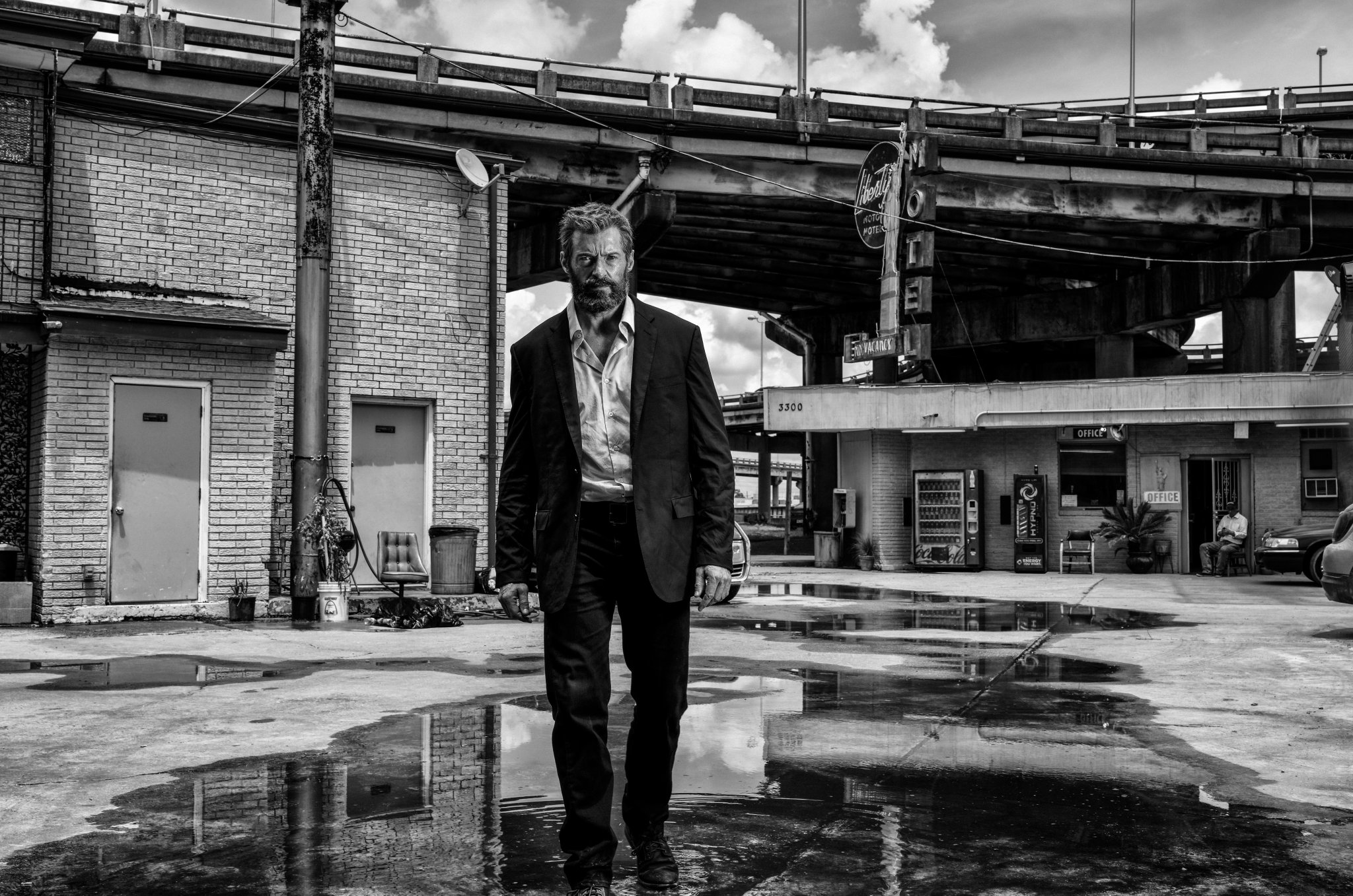 Logan: Hugh Jackman in una nuova foto