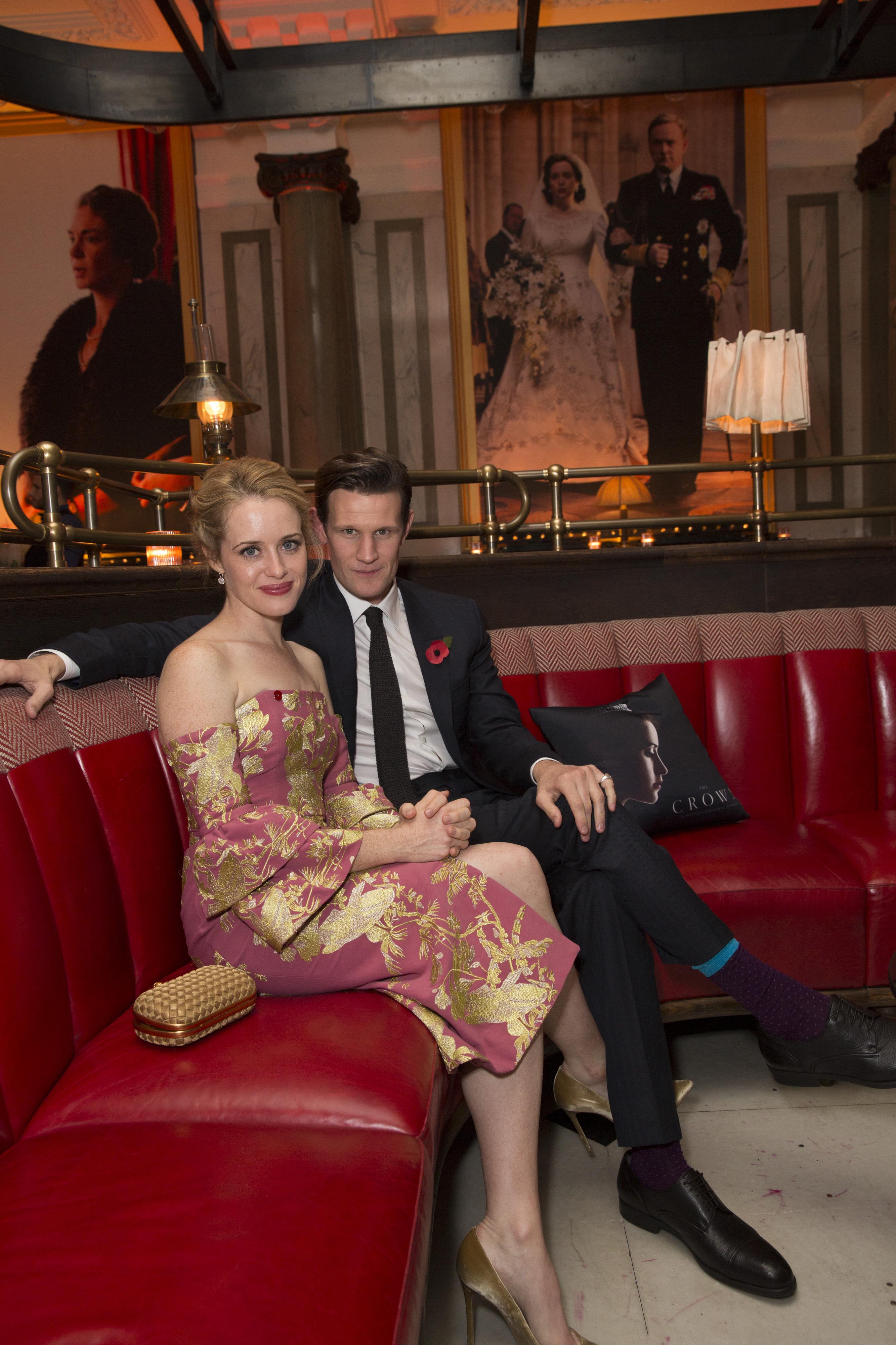 The Crown: Claire Foy e Matt Smith al party in onore della serie