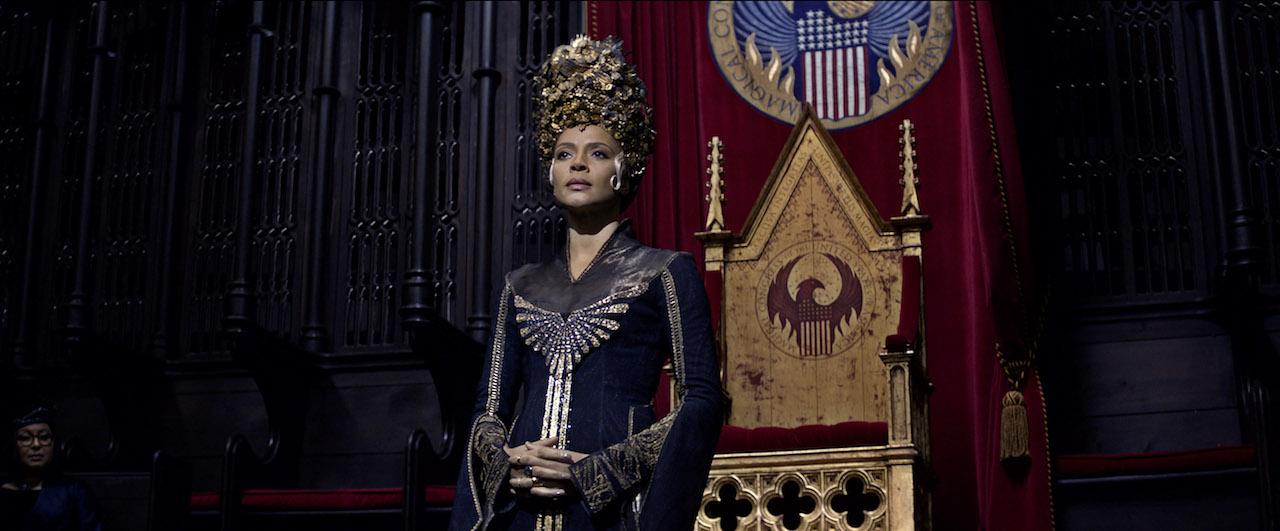 Animali Fantastici e Dove Trovarli: l'attrice Carmen Ejogo in una foto del film
