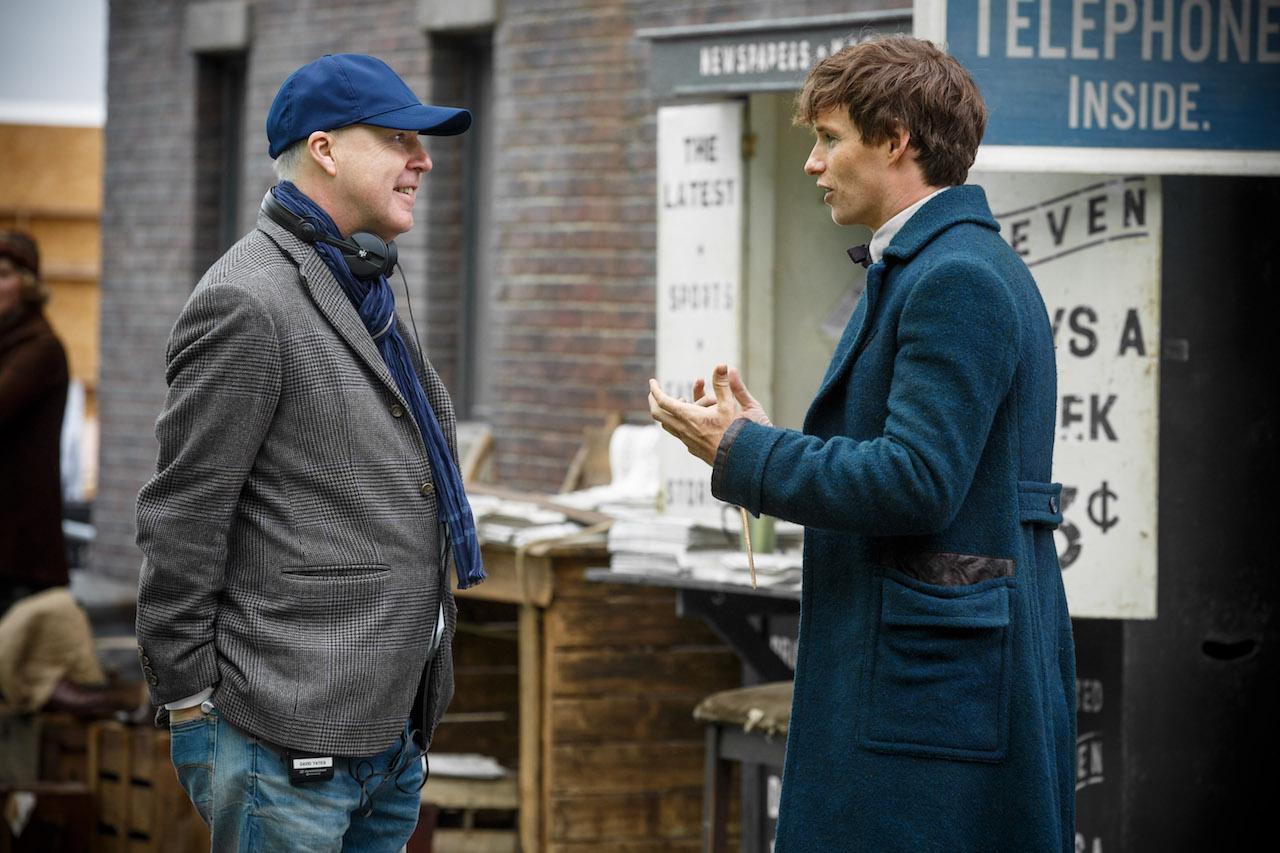 Animali Fantastici e Dove Trovarli: il regista David Yates insieme a Eddie Redmayne sul set