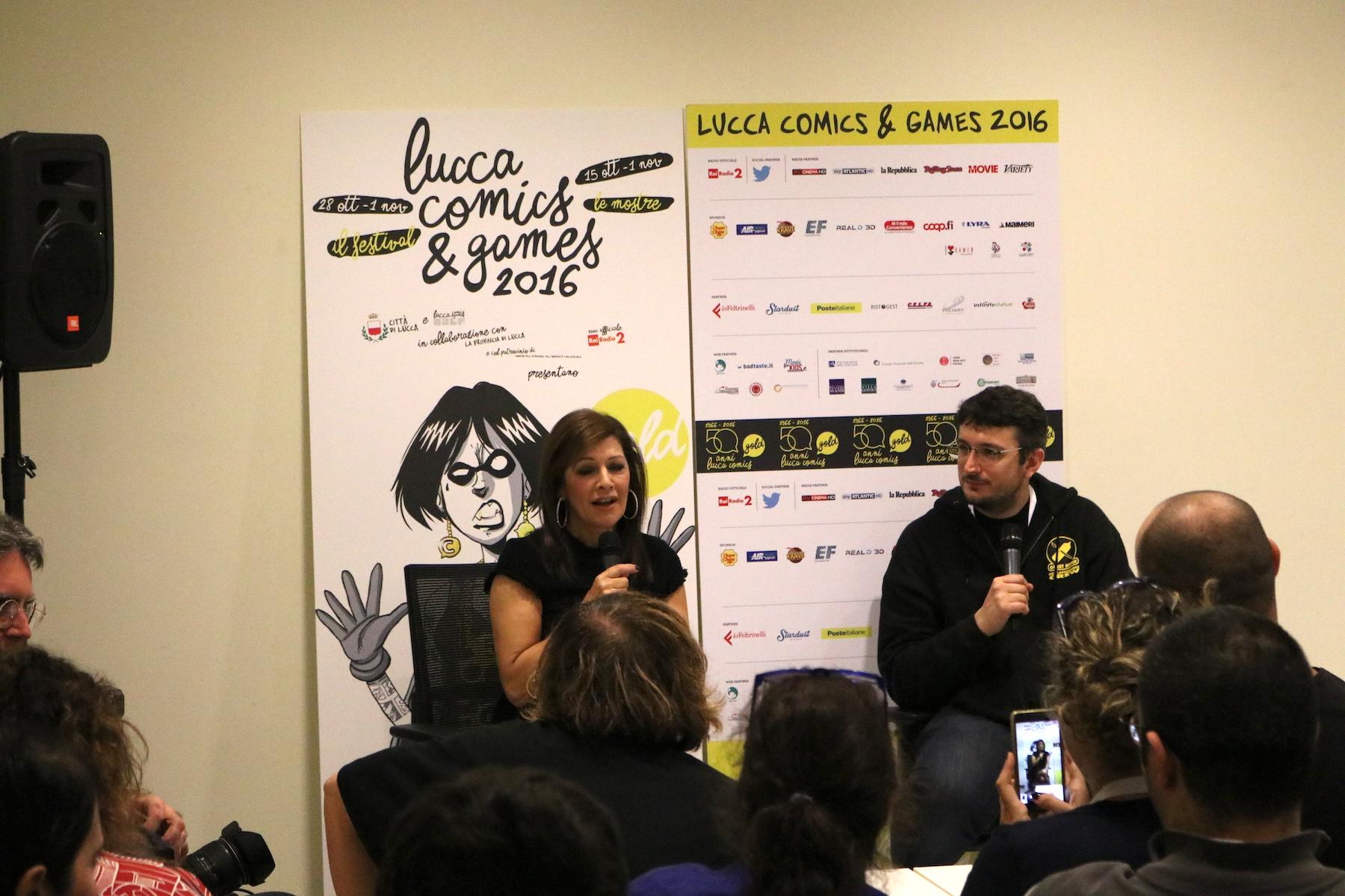 Lucca 2016: una foto di Marina Sirtis al Press Cafè