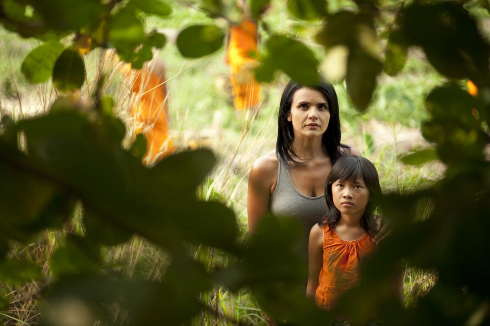 Talking to the Trees: Ilaria Borrelli e Seta Monyroth in una scena del film