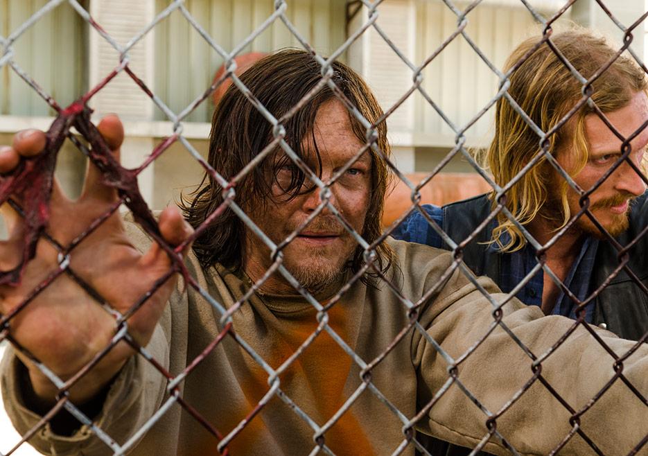 The Walking Dead: una foto di Norman Reedus e Austin Amelio in The Cell