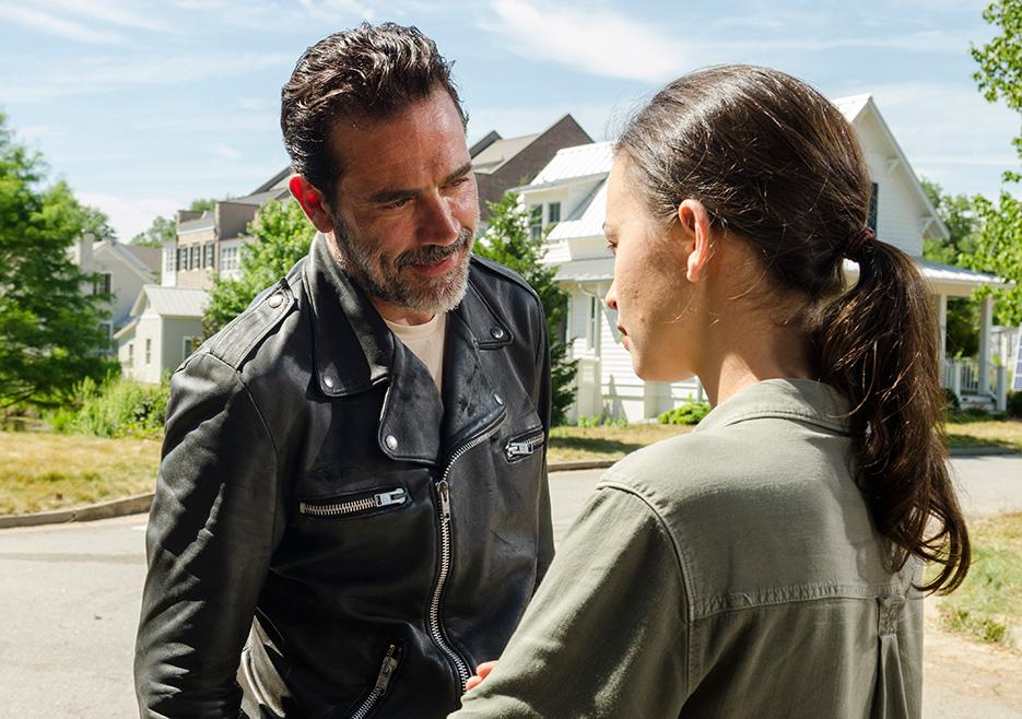 The Walking Dead: Jeffrey Dean Morgan e Christian Serratos in Al tuo servizio