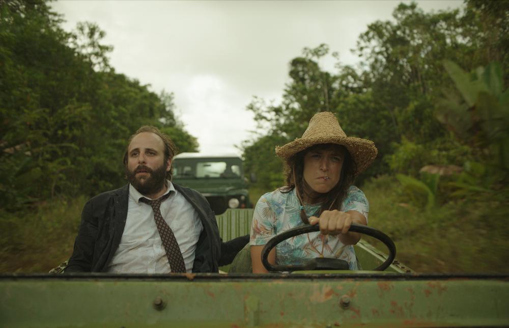 La loi de la jungle: Vimala Pons e Mathieu Amalric in un momento del film