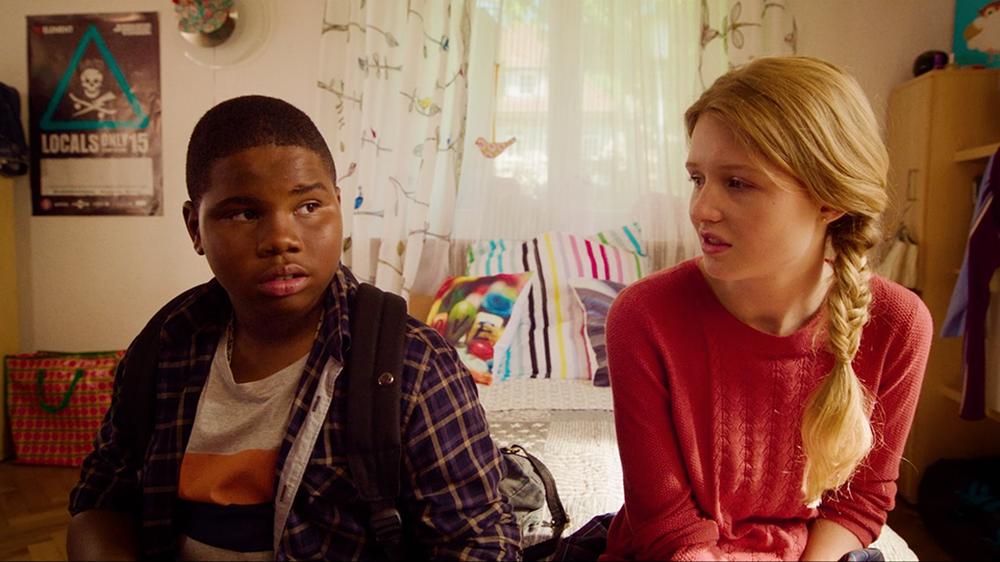Morris from America: Markees Christmas e Lina Keller in una scena del film