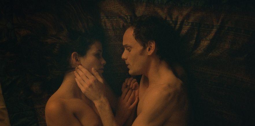 Porto: Lucie Lucas e Anton Yelchin insieme in una scena del film