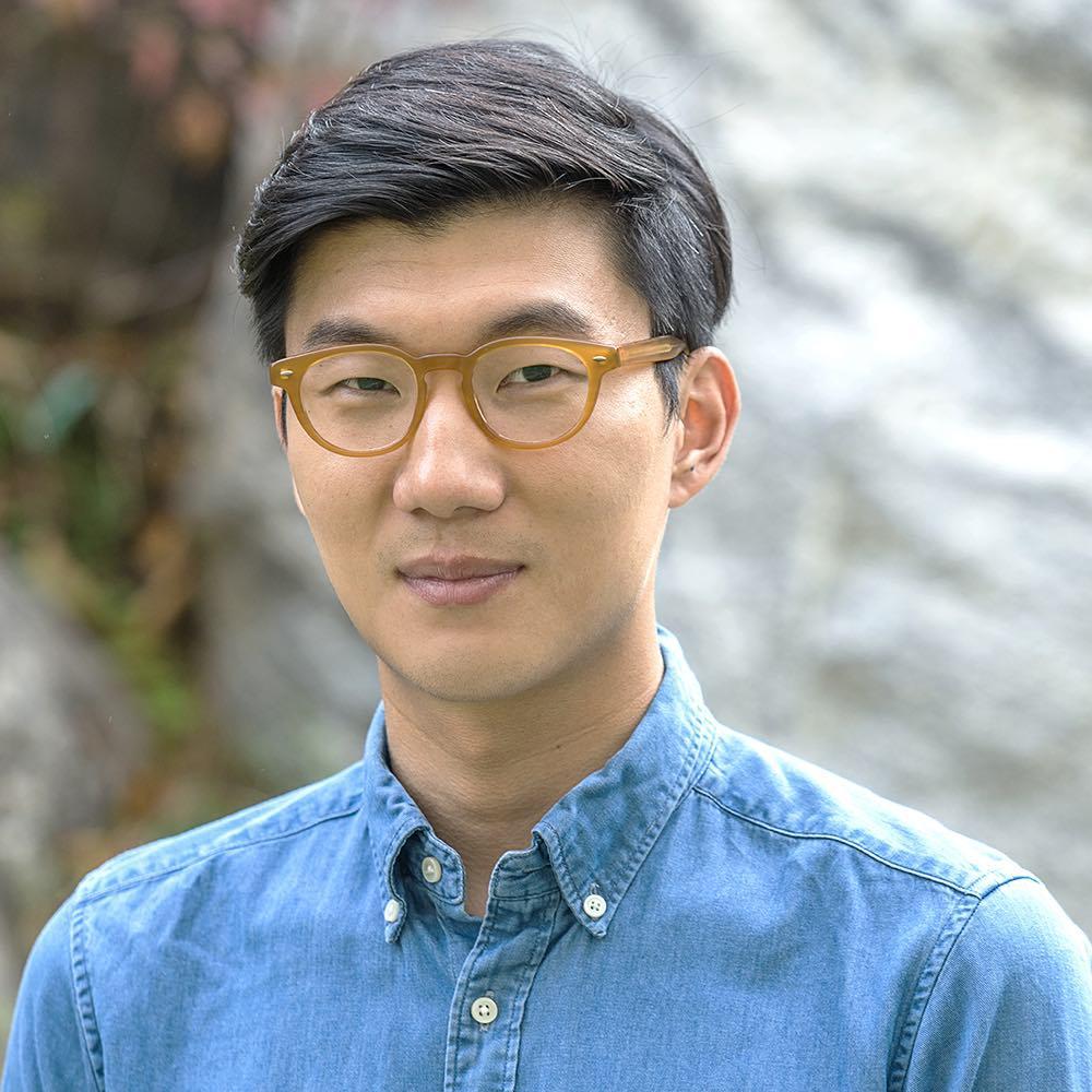 Turn Left Turn Right: il regista Doug Seok in un'immagine promozionale del film