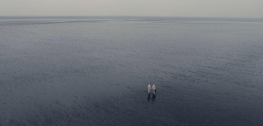 We Are the Tide: una suggestiva immagine dall'alto del film