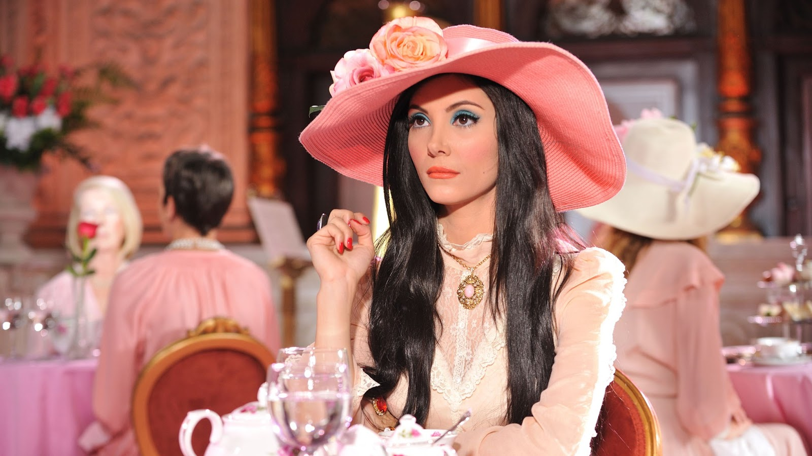 The Love Witch: Samantha Robinson in una scena del film