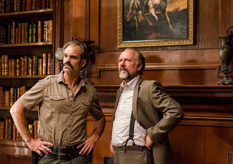 The Walking Dead: gli attori Steven Ogg e Xander Berkeley in Go Getters