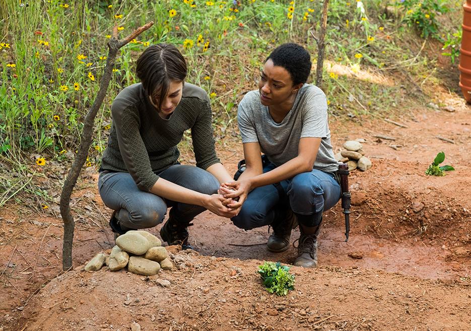 The Walking Dead: le attrici Lauren Cohan e Sonequa Martin-Green in Go Getters