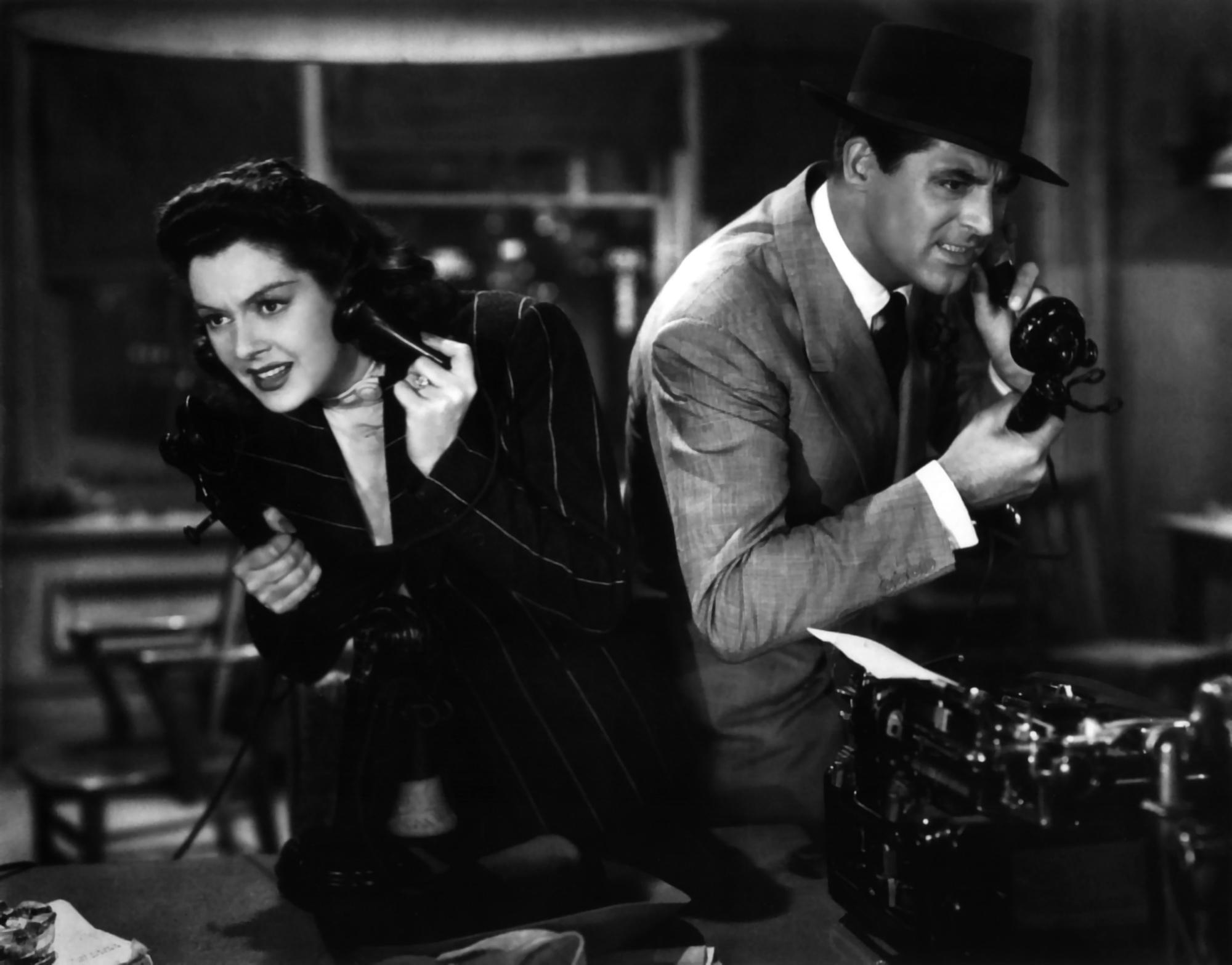 Rosalind Russell e Cary Grant ne La signora del venerdì