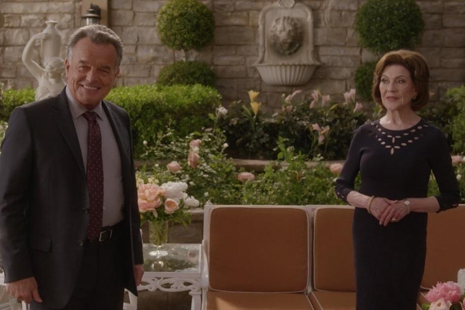 Una Mamma per amica: di nuovo insieme, Kelly Bishop e  Ray Wise in in una scena