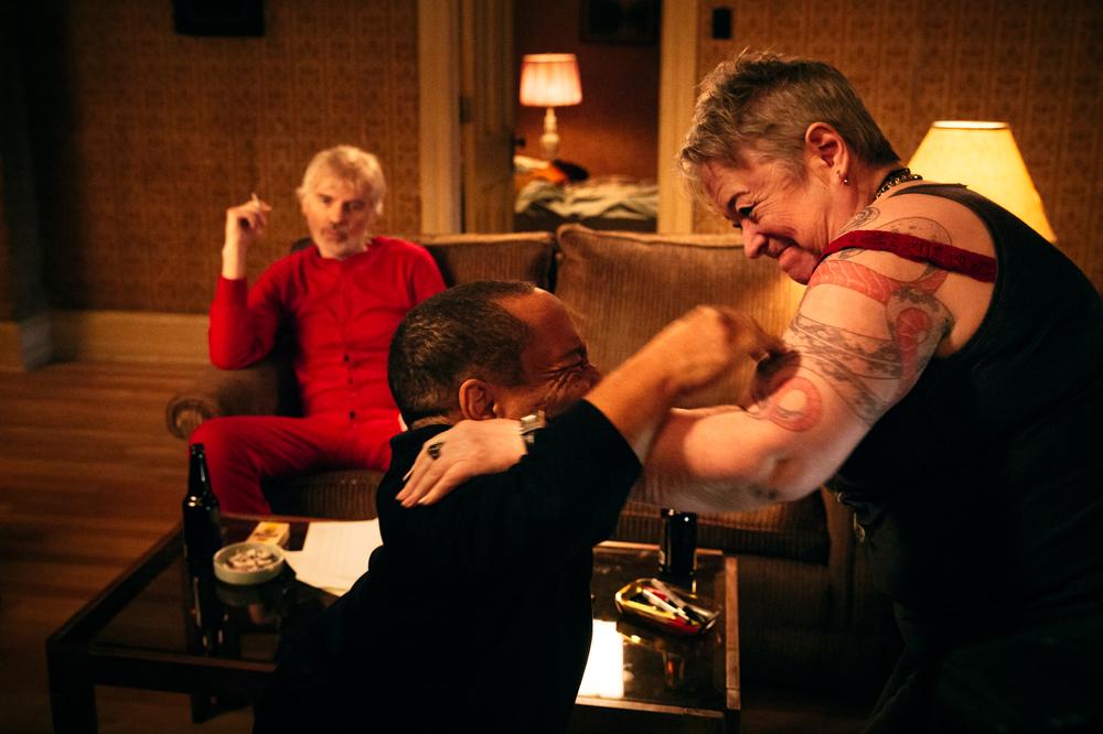 Babbo bastardo 2: Billy Bob Thornton, Kathy Bates e Tony Cox in una scena del film