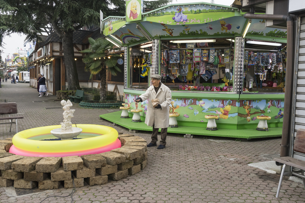 Fuga da Reuma Park: Giovanni Storti in una scena del film