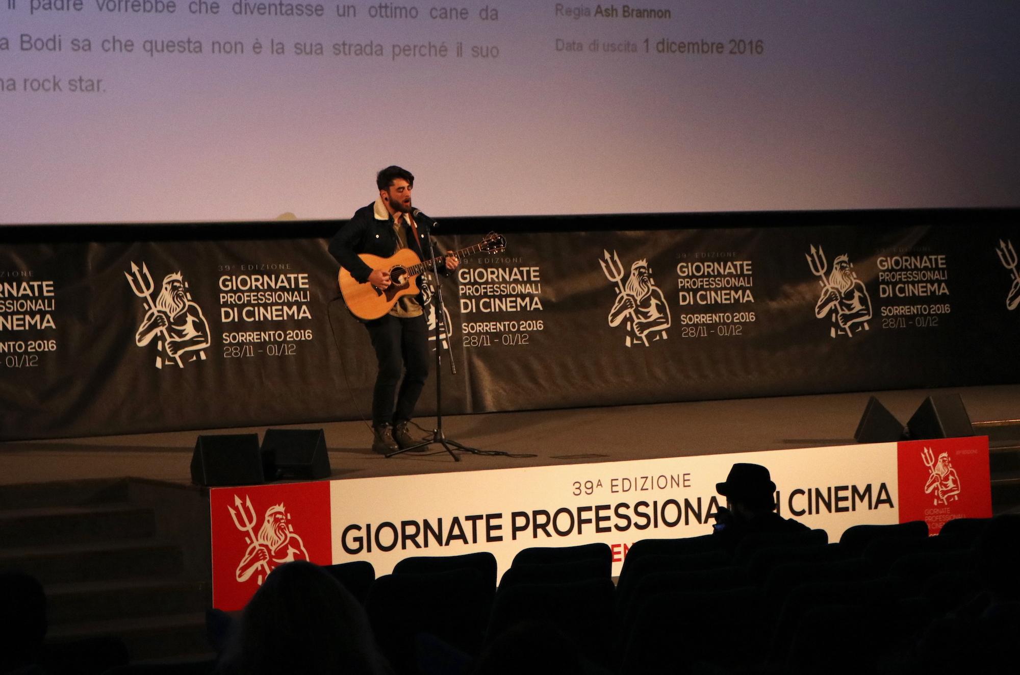 Giò Sada canta alle giornate professionali di cinema di Sorrento