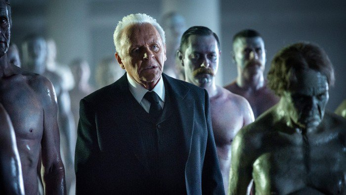 Westworld: un'immagine di Anthony Hopkins in The Well-Tempered Clavier