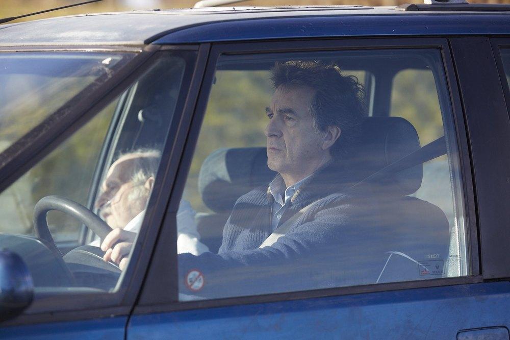 Il medico di campagna: François Cluzet in macchina in una scena del film