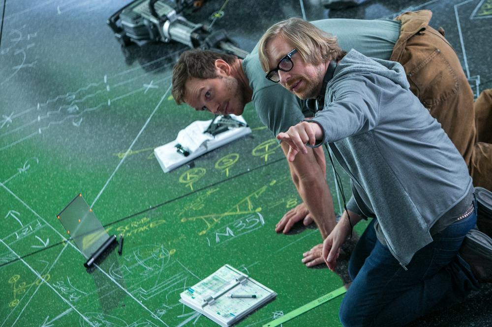Passengers: il regista Morten Tyldum e Chris Pratt sul set del film