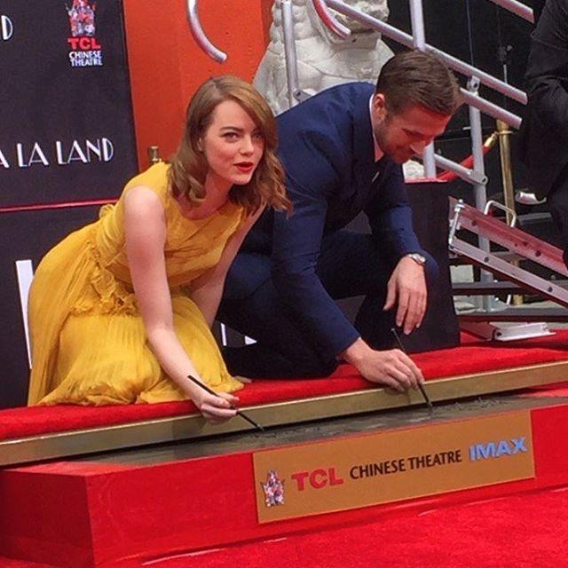 Emma Stone e Ryan Gosling lasciano le loro impronte al TLC Chinese Theatre