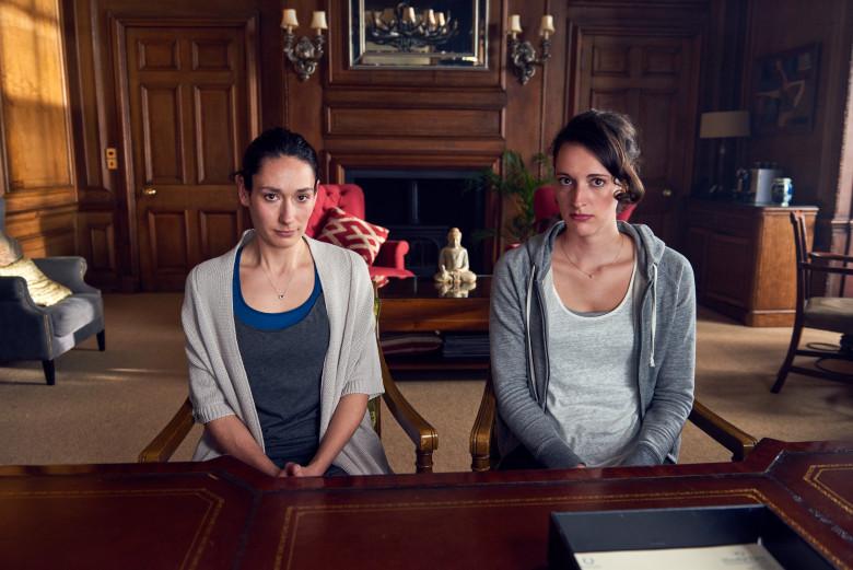 Fleabag: Phoebe Waller-Bridge e Sian Clifford in una foto della serie