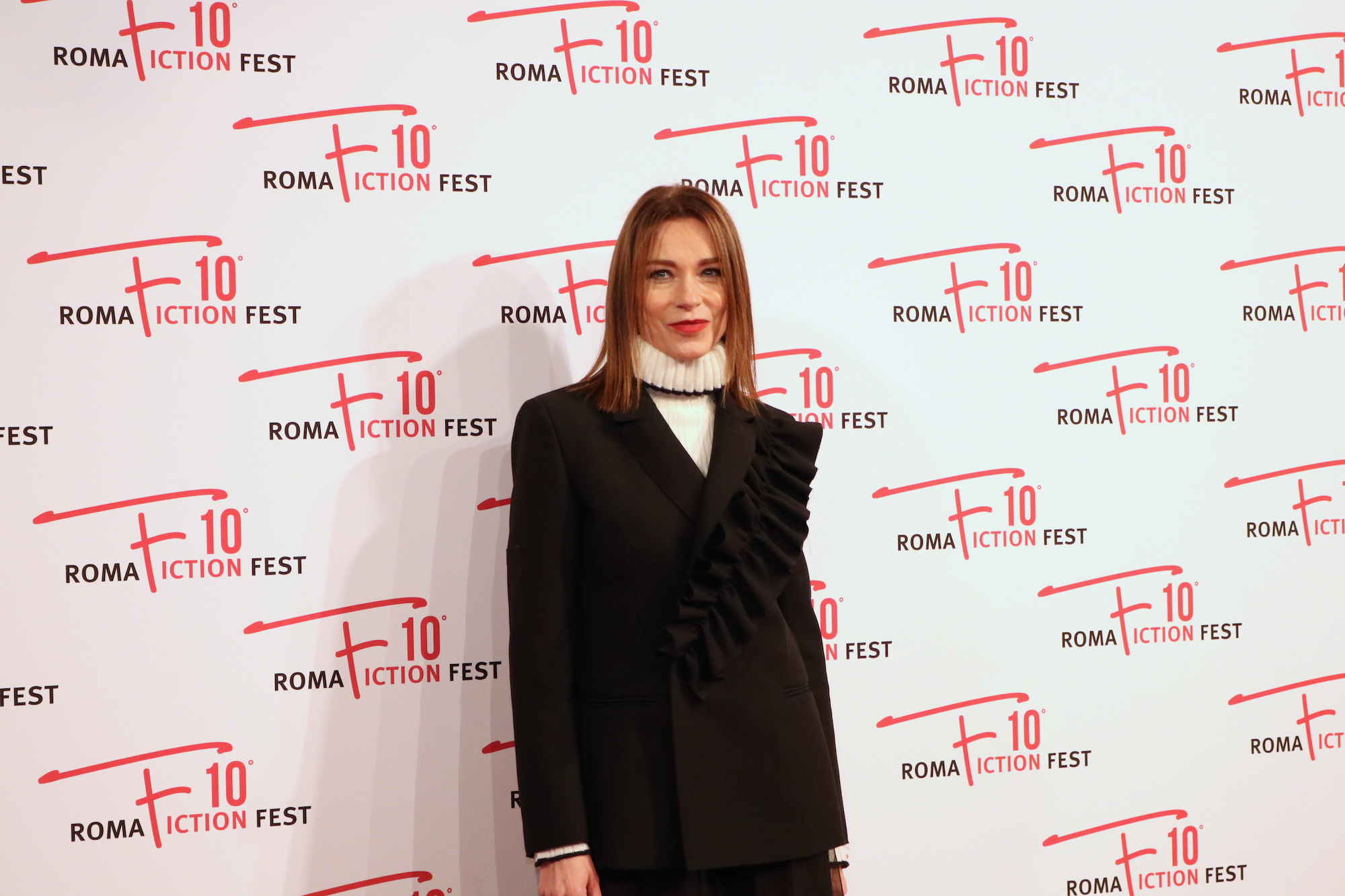 Roma Fiction Fest 2016: Stefania Rocca sul red carpet di Di padre in figlia