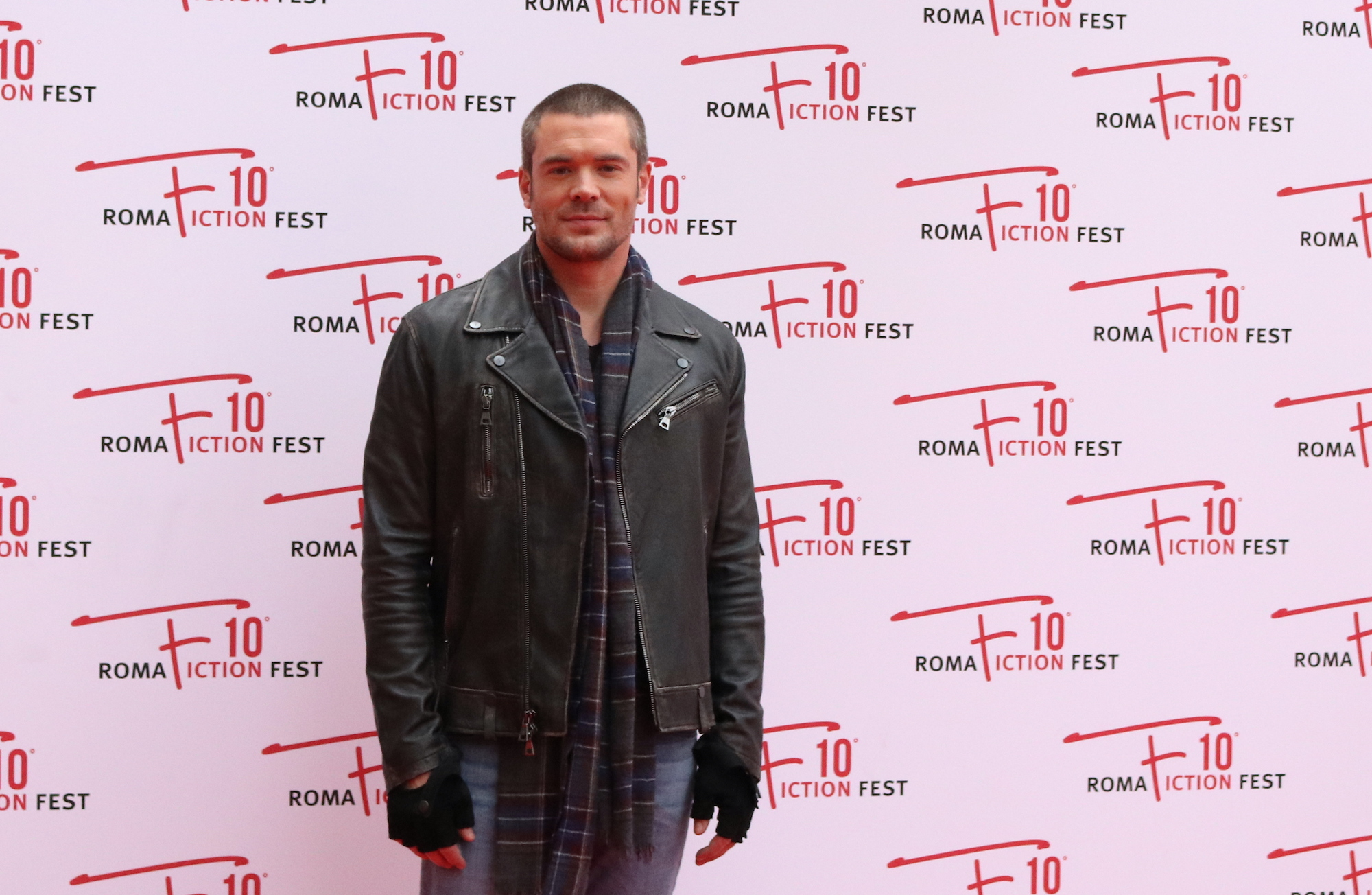 Roma Fiction Fest 2016: Charlie Weber sul red carpet di Shondaland