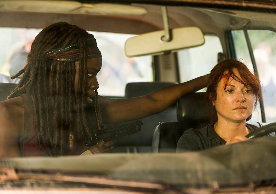 The Walking Dead: Danai Gurira in un'immagine di Hearts Still Beating