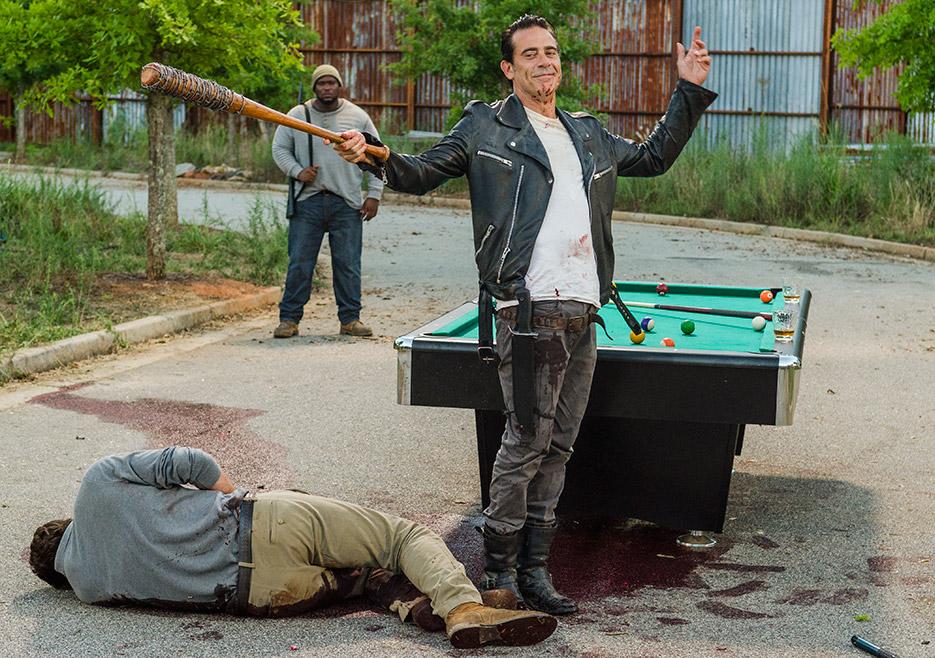 The Walking Dead: Jeffrey Dean Morgan in una foto della puntata Hearts Still Beating