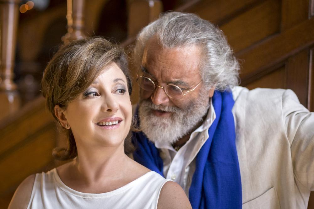 Mister Felicità: Diego Abatantuono e Carla Signoris in una scena del film