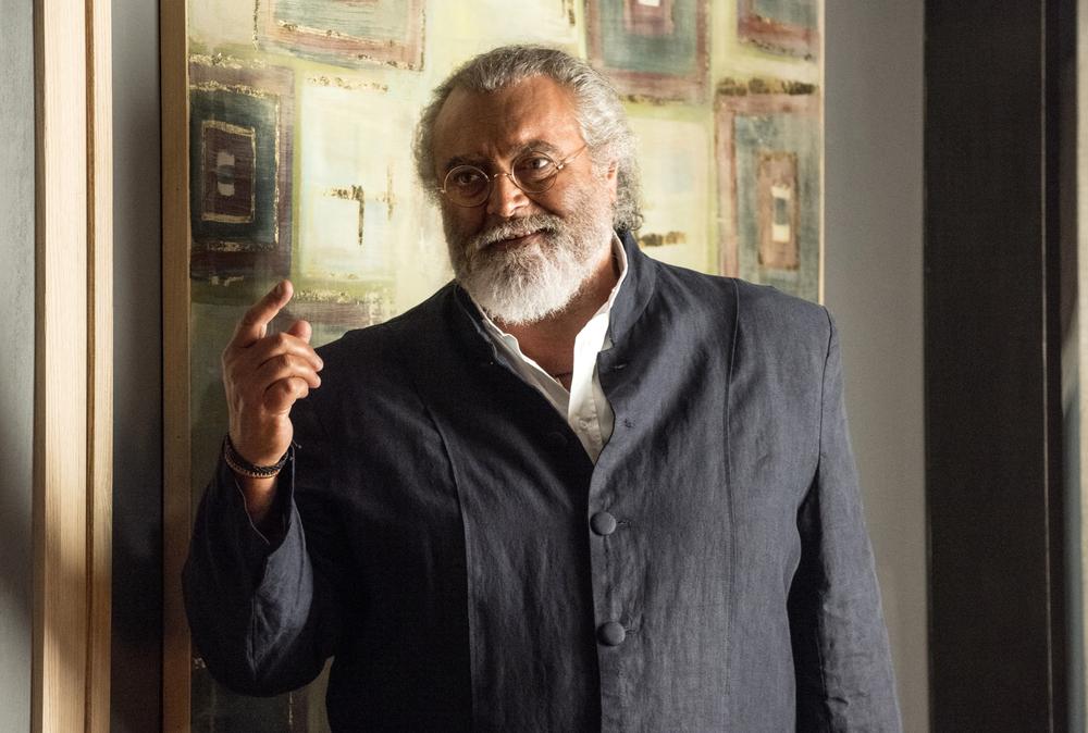 Mister Felicità: Diego Abatantuono in una scena del film