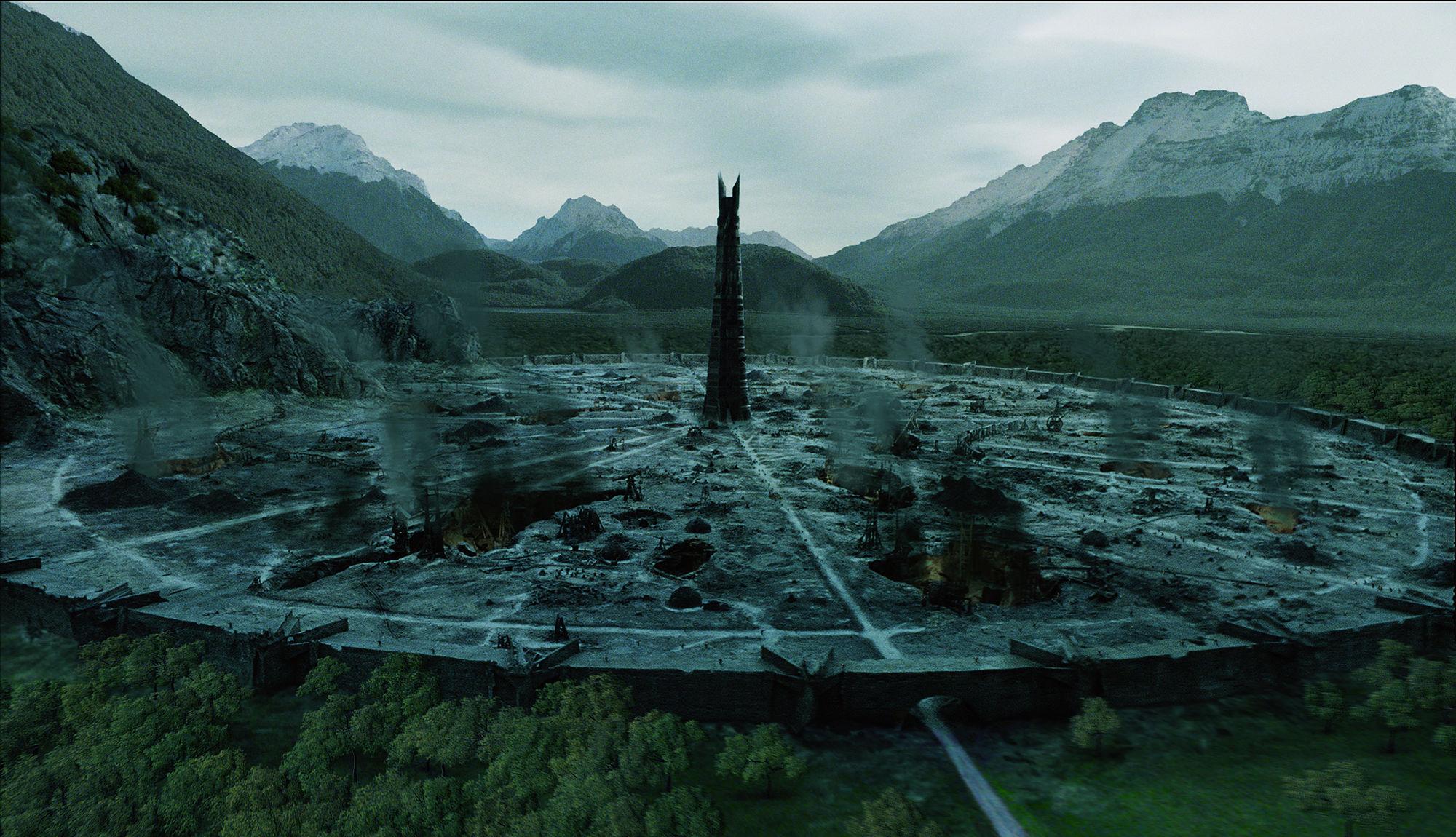 Veduta di Isengard in una scena di Il signore degli anelli - Le due torri