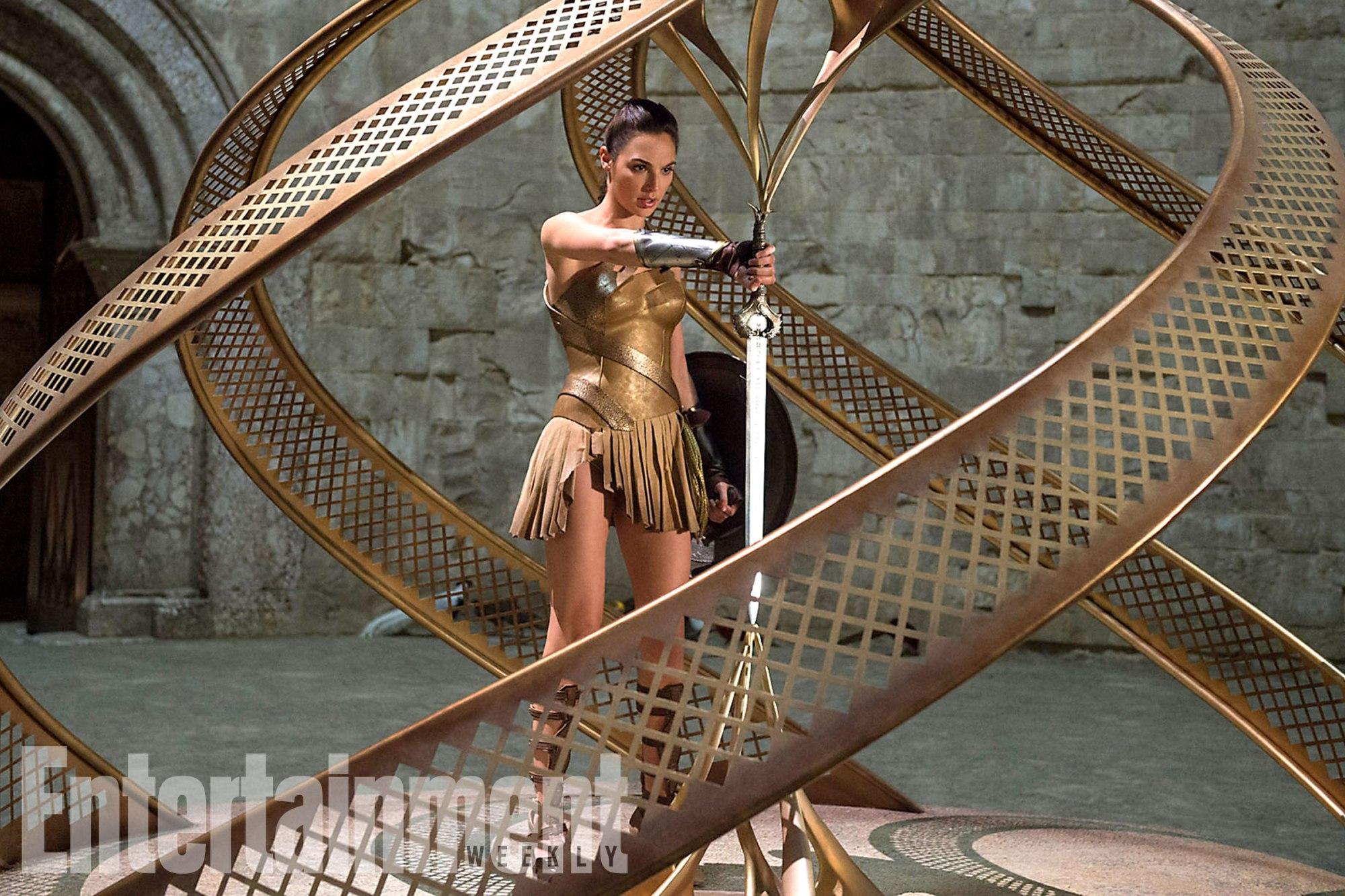 Wonder Woman: Gal Gadot in una nuova foto del film