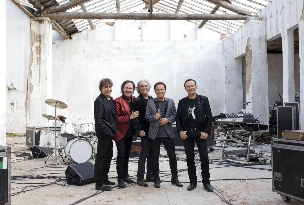 Pooh - L'ultimo concerto: un'immagine promozionale del noto gruppo italiano