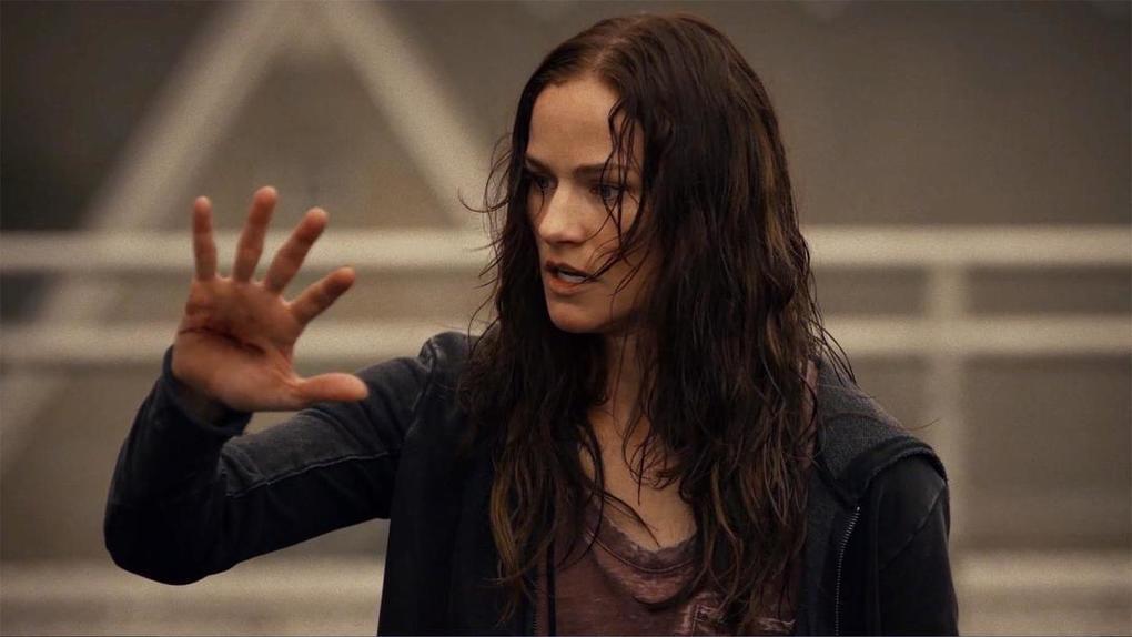 Van Helsing: una foto della protagonista Kelly Overton
