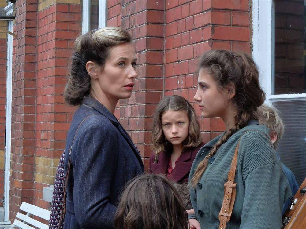 Il viaggio di Fanny: Cécile De France e Léonie Souchaud in un'immagine tratta dal film