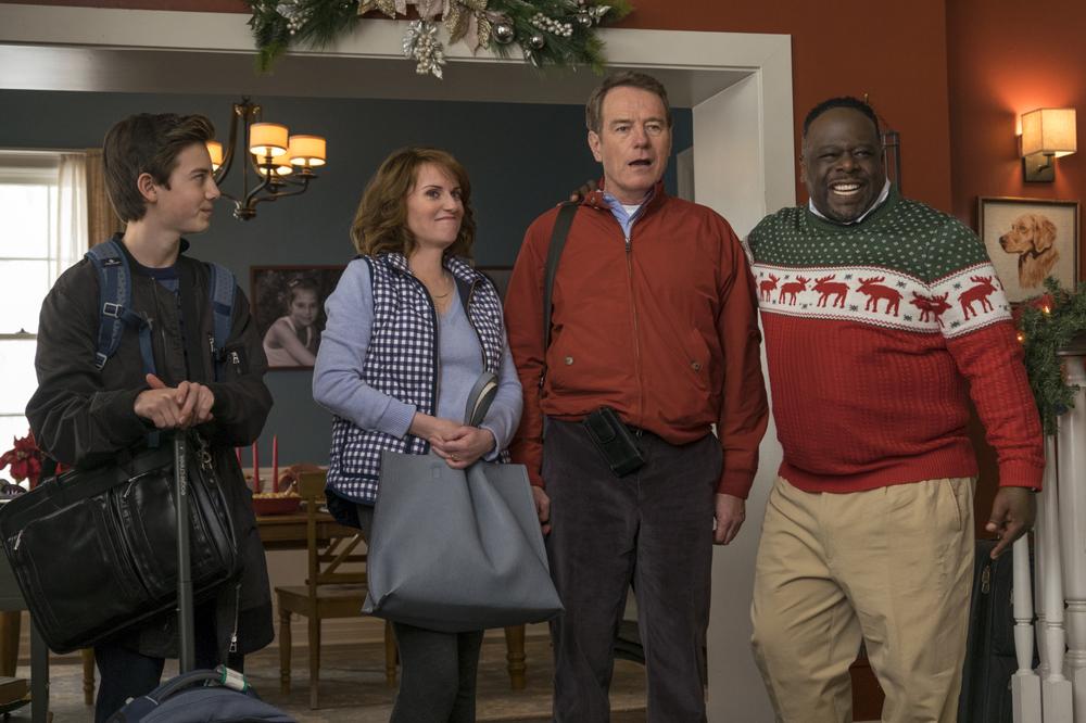 Proprio lui?: Bryan Cranston, Megan Mullally, Griffin Gluck e Cedric the Entertainer in una scena del film