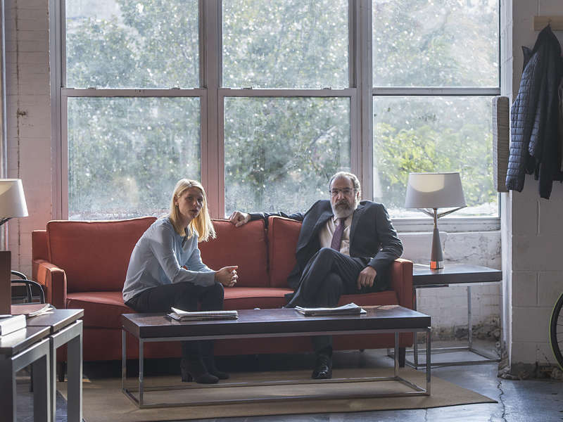 Homeland: Claire Danes e Mandy Patinkin in una foto della sesta stagione
