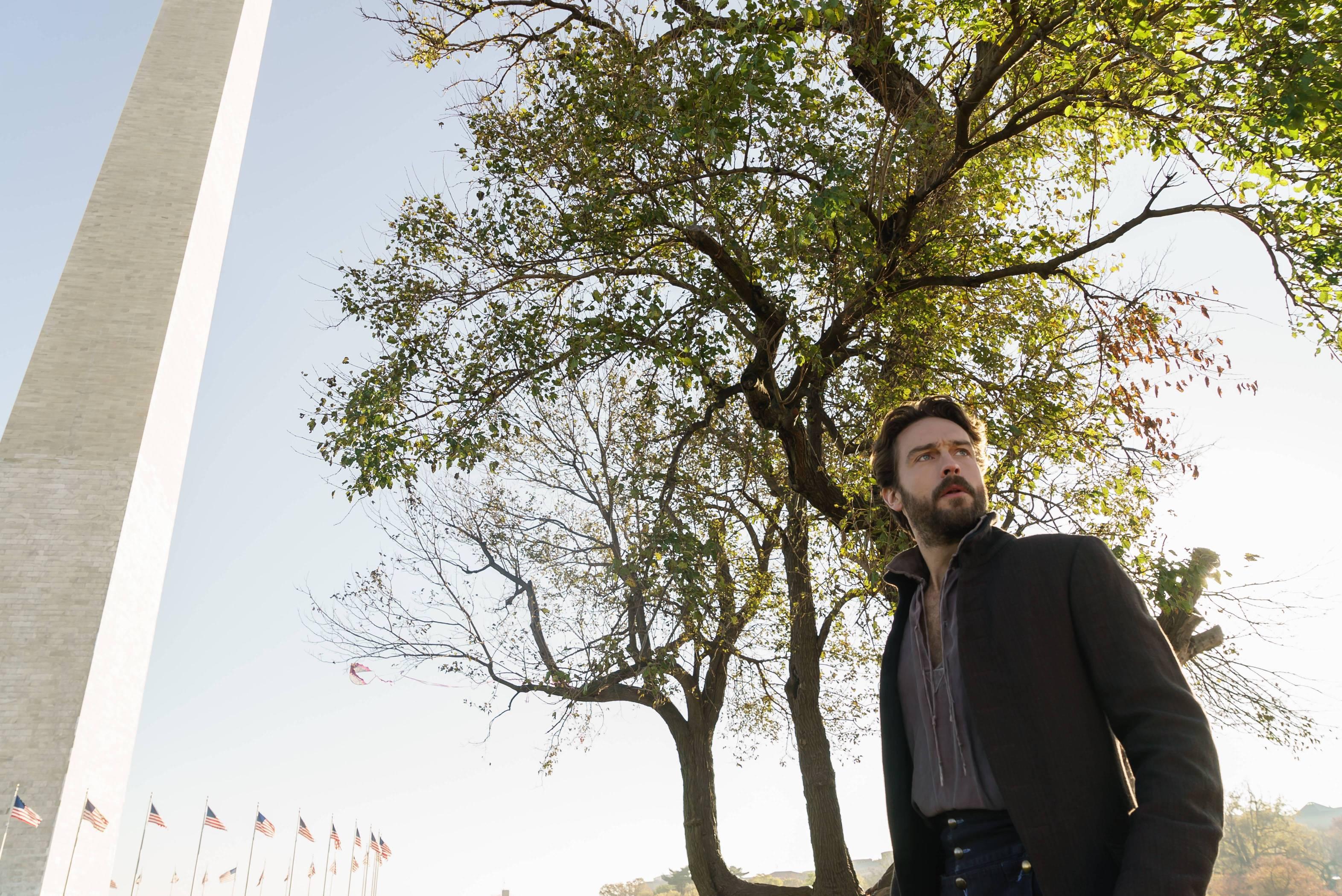 Sleepy Hollow: il protagonista Tom Mison in una foto della serie